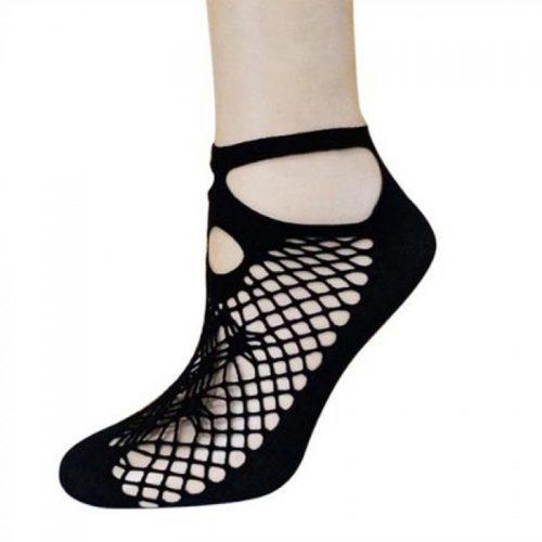 ruffle-fishnet-short-socks