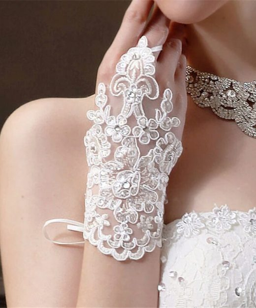 lace-stain-gloves