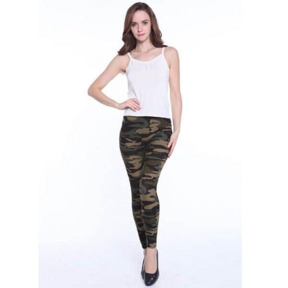 woman-colorful-leggings-camo