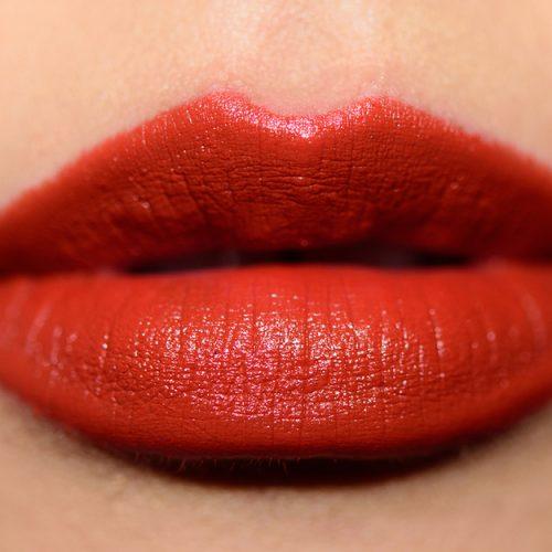 mac-matte-lipstick-602-chili-swatch