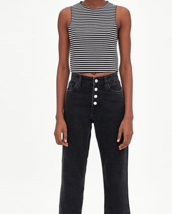 Zara-crop-top-b-w-1